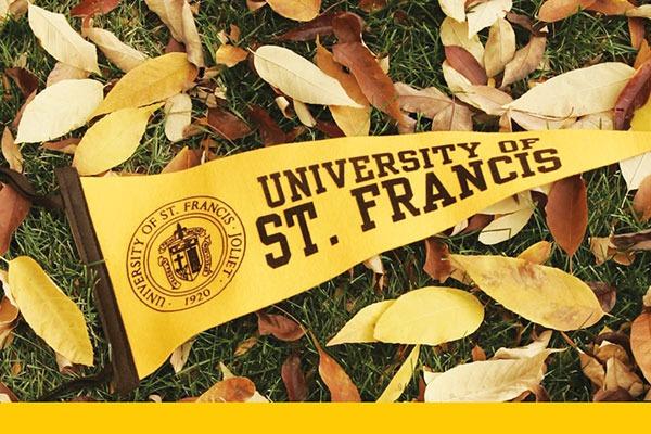 alumni banner on leaves